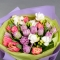Букет с тюльпанами и фрезией Санторини - Фото 5