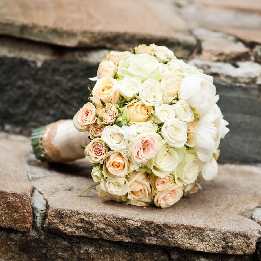 Кто должен выбирать и покупать букет невесты: традиции и гармония праздника