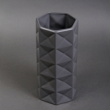 Ваза керамическая серая глянцевая