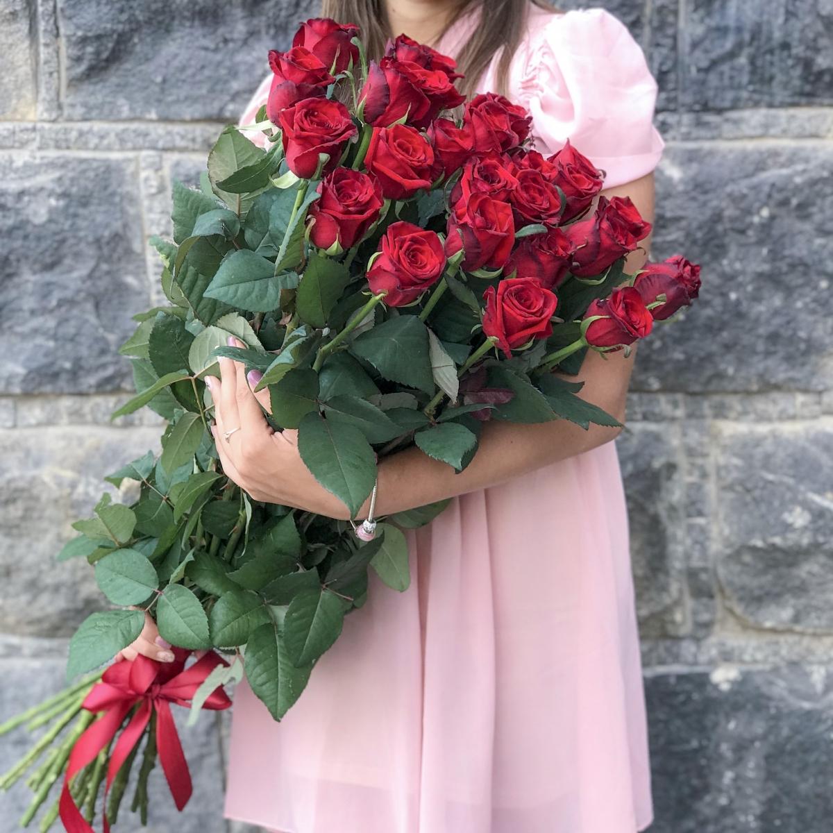Букет из 25 роз Гран При - доставка цветов в Киеве | Камелия