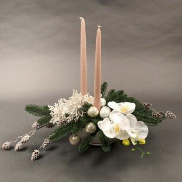 Искусственная композиция S с орхидеями