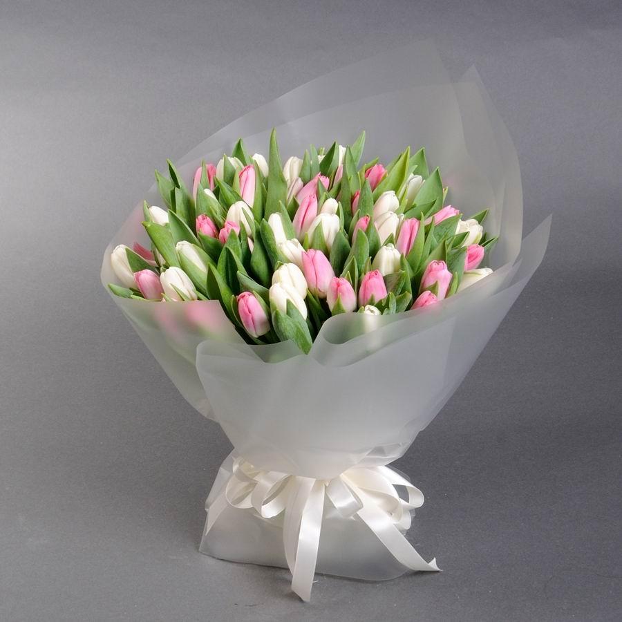 """Букет белых и розовых тюльпанов """"Маршмэллоу"""" от Camellia"""
